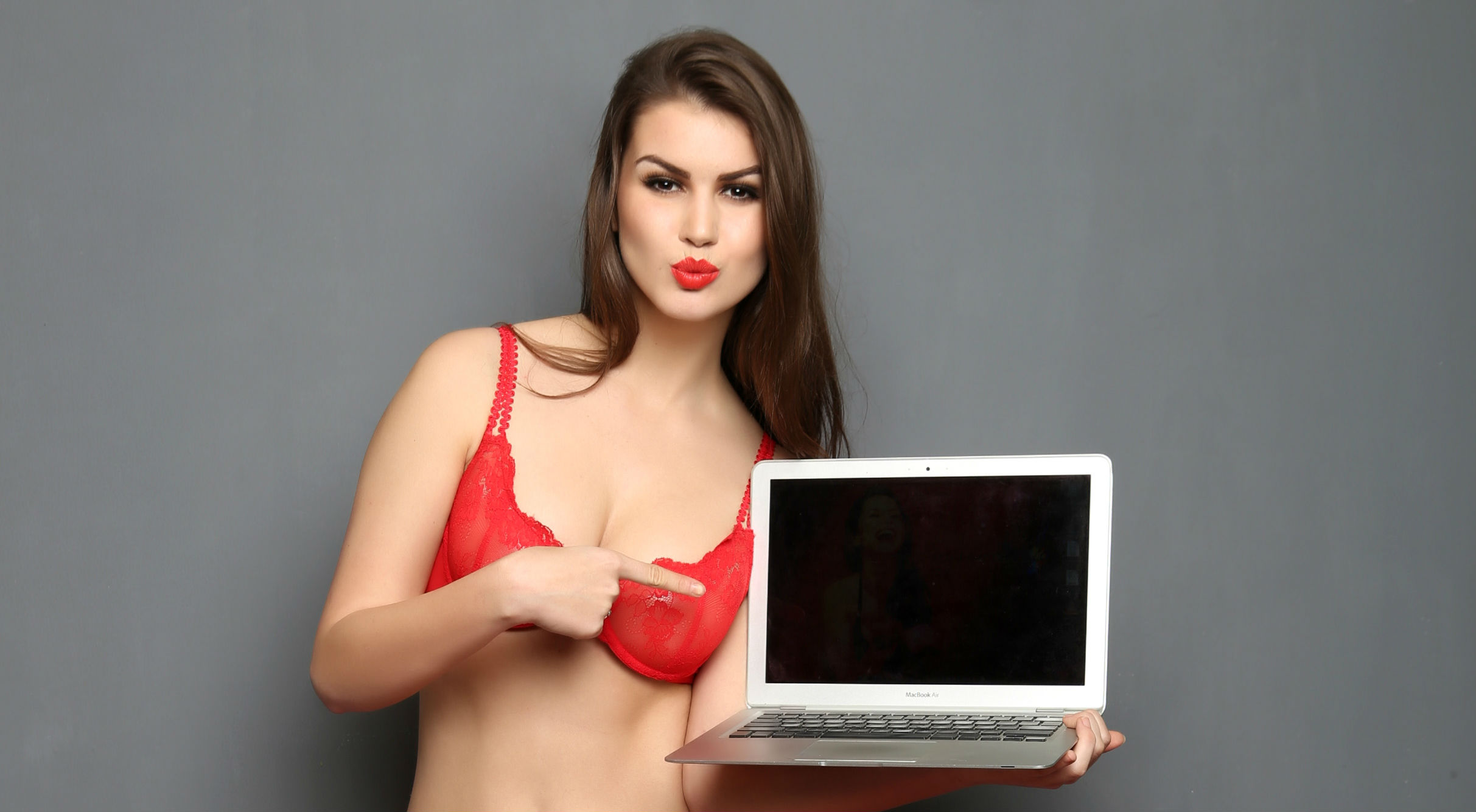 PrettySecrets is a young, fun and sexy online lingerie brand that believes lingerie needn't be boring. Buy online Bra, Panty, Lingerie, Night dress, Swimwear at discounted price.