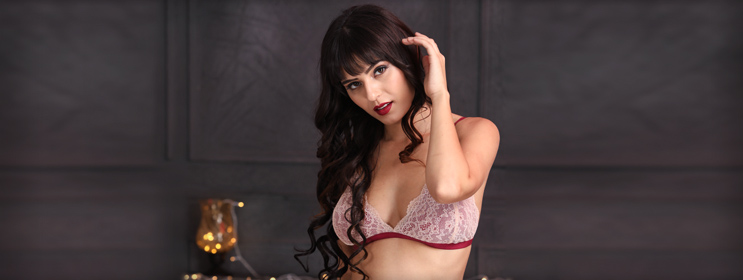 Oh La La! These Lace Bras Are All Set To Make You Feel Sexy - Clovia Blog 01fab97e8